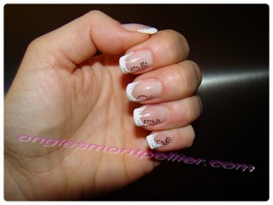 Pose faux ongles gel french blanche deco acrylique r�duite