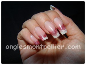 pose faux ongles french rouge et blanche r�duite