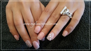 pose faux ongles gel naturel et strass p