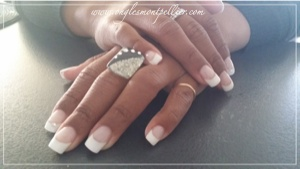pose gel french blanche et strass g