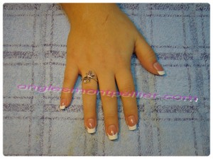 pose faux ongles gel french ultra blanche r�duite
